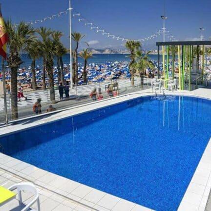 Zwembad van Hotel Brisa in Benidorm, Costa Blanca, Spanje