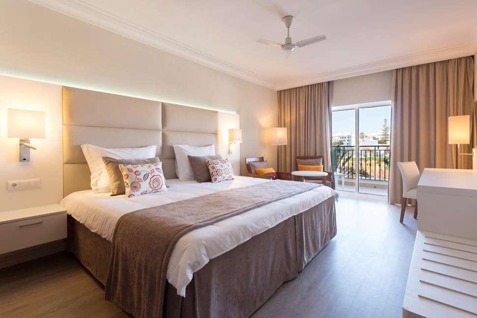 Hotelkamer van Tui Blue Falesia in Olhos d'Água, Algarve, Portugal