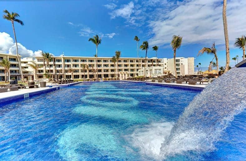 Zwembad van Royalton Bavaro Resort & Spa in Bávaro, La Altagracia, Dominicaanse Republiek