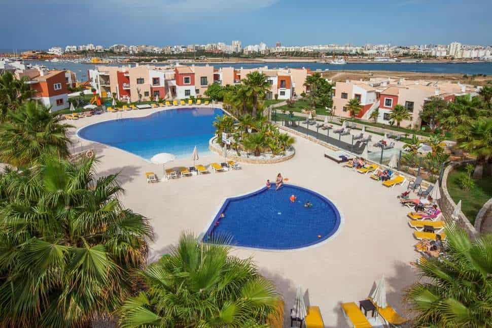 Zwembaden van Vitor's Village in Ferragudo, Algarve, Portugal