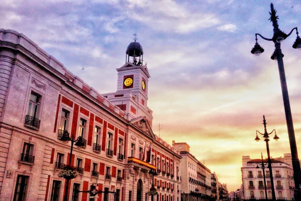 Klok van de Puerta de Sol in Madrid