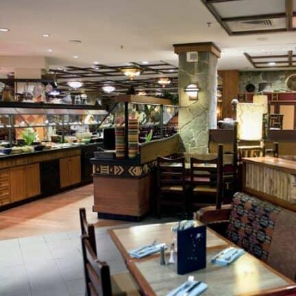 Restaurant van Disney's Sequoia Lodge in Marne-la-Vallée, Parijs, Frankrijk