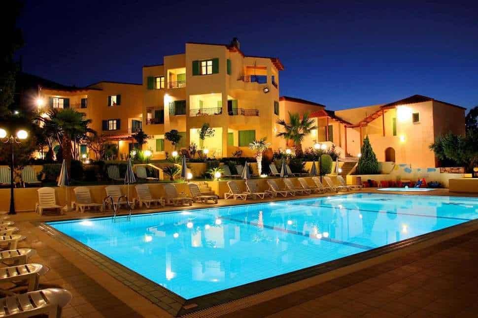 Zwembad van Sylvia Appartementen in Chersonissos, Kreta, Griekenland