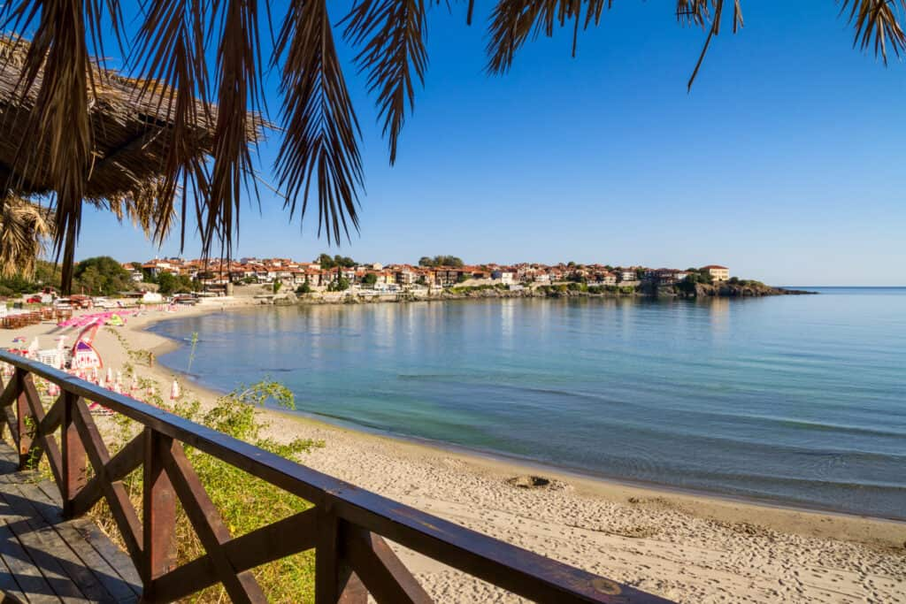 Strand van Sunny Beach in Bulgarije