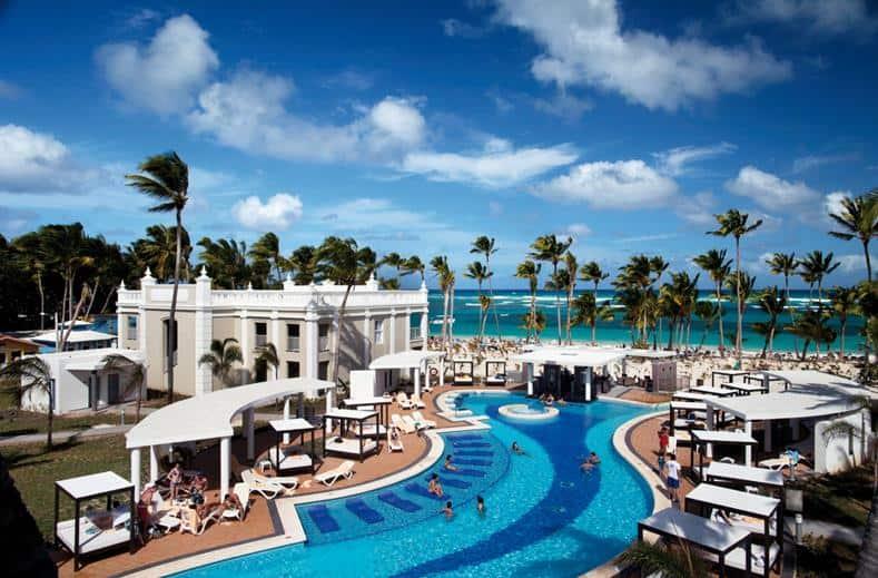 Zwembad van RIU Palace Bavaro in Punta Cana, Dominicaanse Republiek