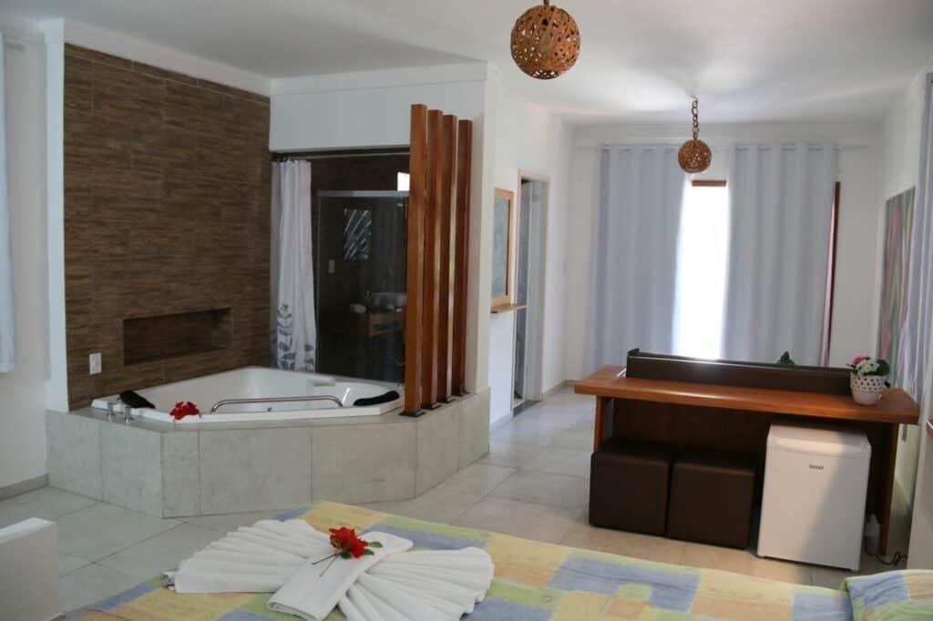 Jacuzzi in bungalow van Marinas Resort in Tibau do Sul, Brazilië