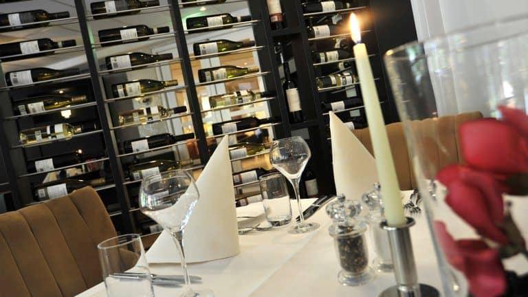Restaurant van Golden Tulip Tjaarda in Oranjewoud, Friesland, Nederland