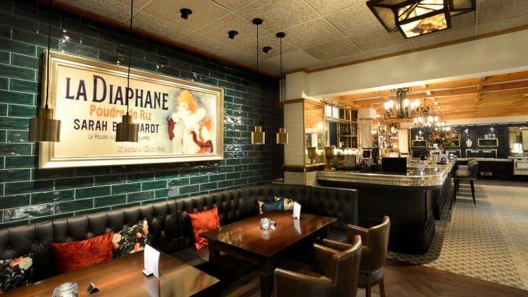 Restaurant van Hotel Zuiderduin in Egmond aan Zee, Noord-Holland
