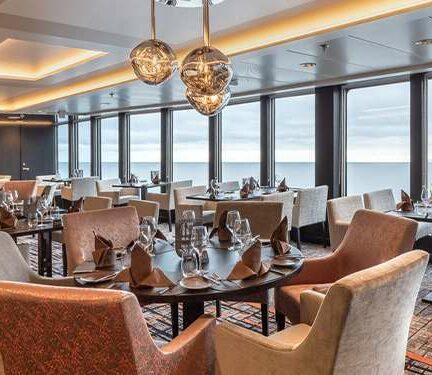 Restaurant MS Roald Amundsen Hurtigruten