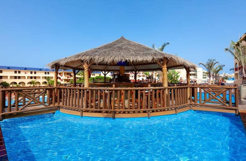 Zwembad van Best Jacaranda