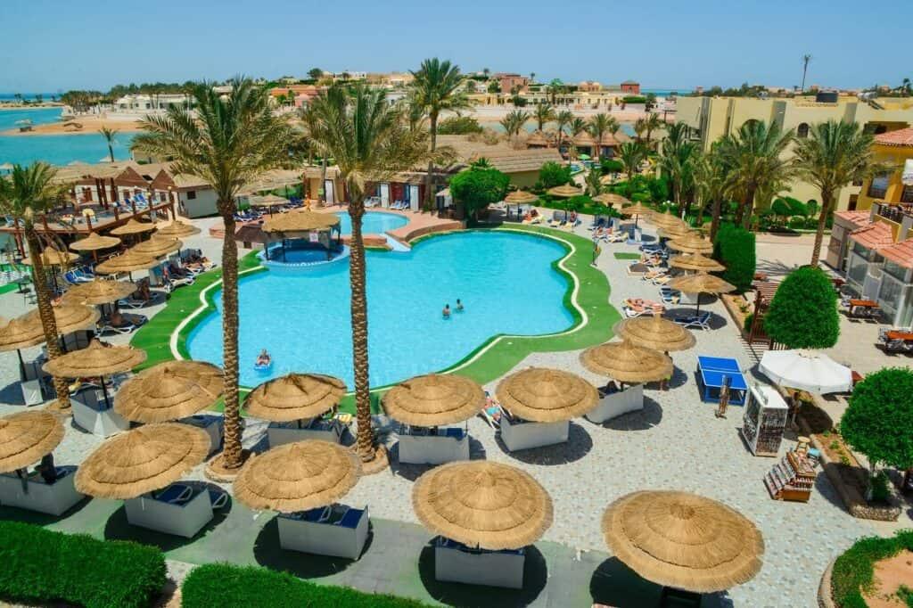 Zwembad van Panorama Bungalows El Gouna in Egypte
