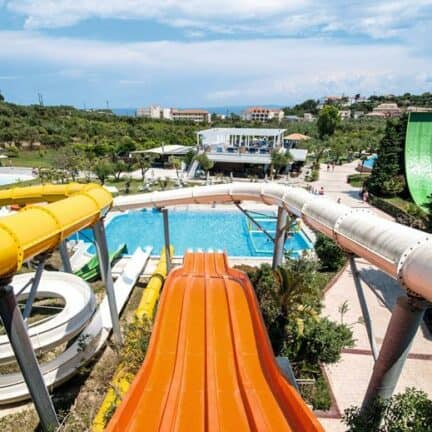 Glijbanen van SPLASHWORLD Aqua Bay