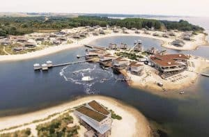 Oasis Parcs Punt-West Hotel en Beachresort in Ouddorp, Zeeland