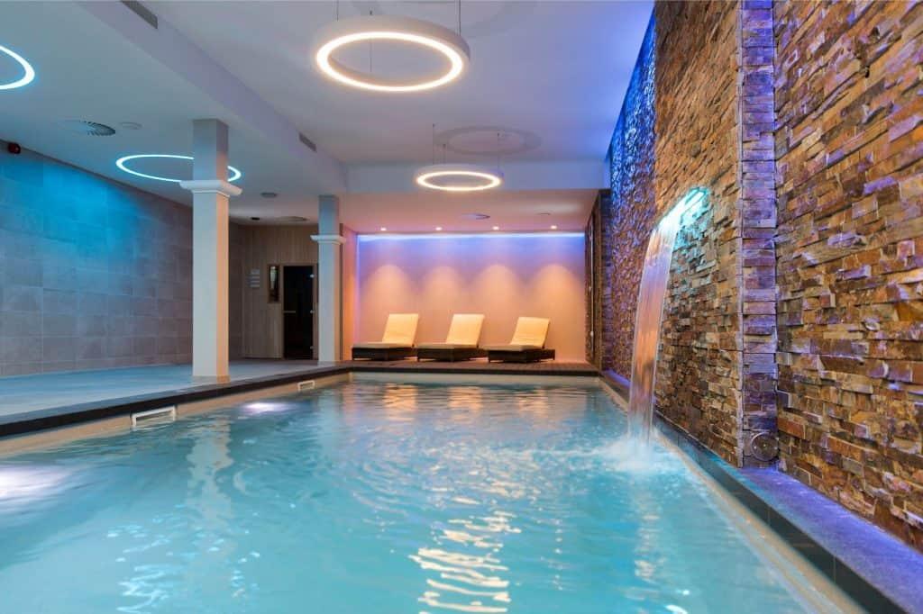 Zwembad van Corendon City Hotel