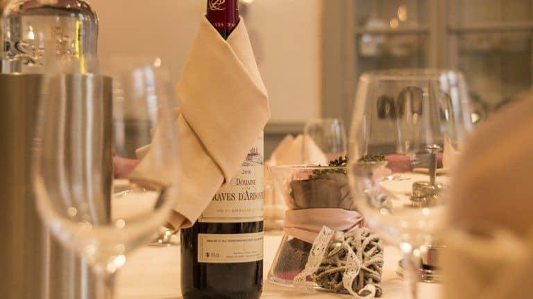 Fles wijn in hotel Erve Hulsbeek