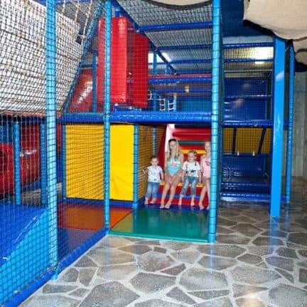 Indoor speeltuin van Droompark Bad Hoophuizen