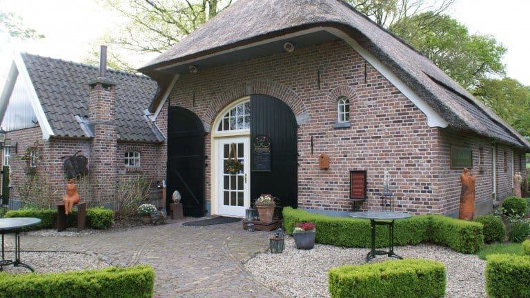 Theehuis bij Hotel De Hoestinkhof
