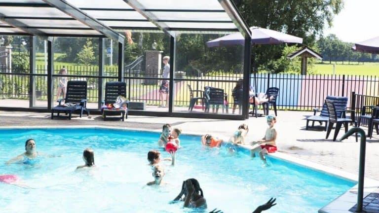 Zwembad van Camping 't Veld Rheeze