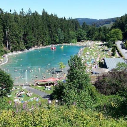 Zwemmen in Waldfreibad Gudenhagen
