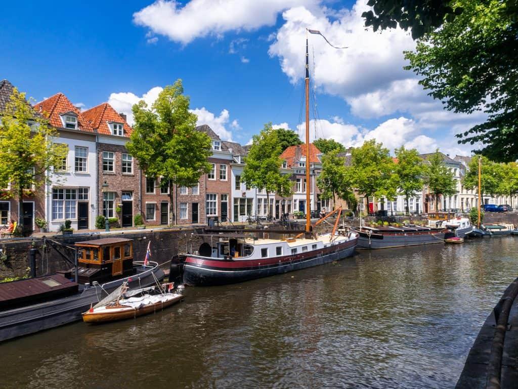 De oude haven van Den Bosch in Noord-Brabant
