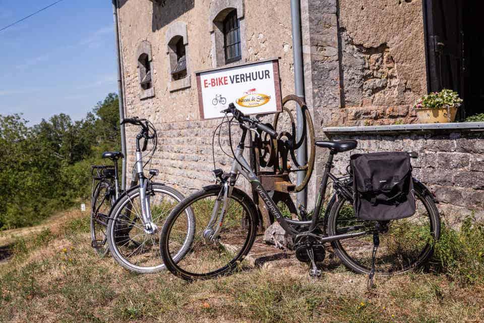 fietsverhuur van chateau de satenot in Frankrijk