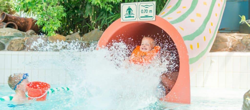 Glijbaan van zwembad Aqua Mundo in Center Parcs