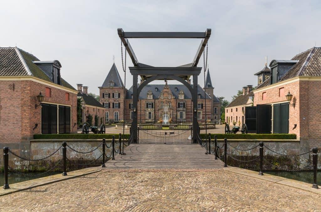 Kasteel op landgoed Twickel in Delden, Overijssel