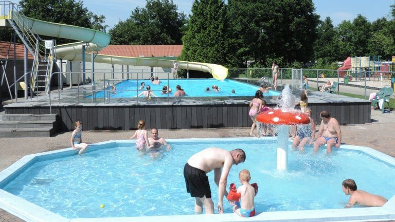 Zwembad van Camping De Tien Heugten
