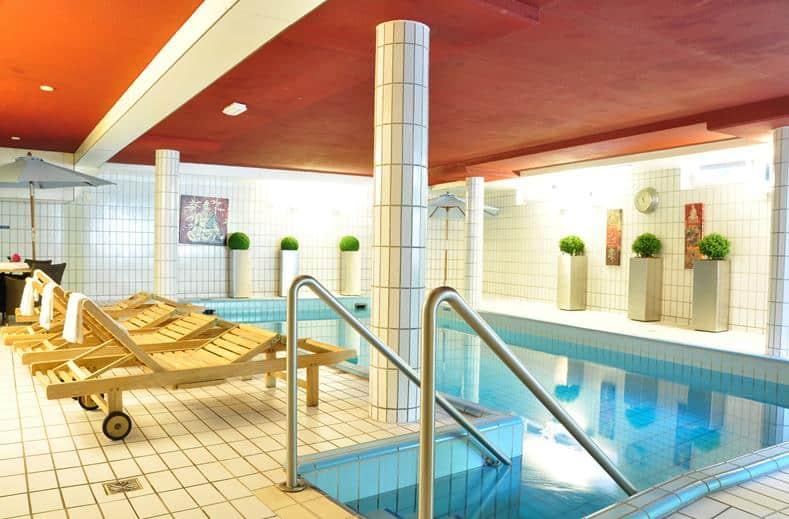 Zwembad van Fletcher Hotel-Restaurant Jan van Scorel
