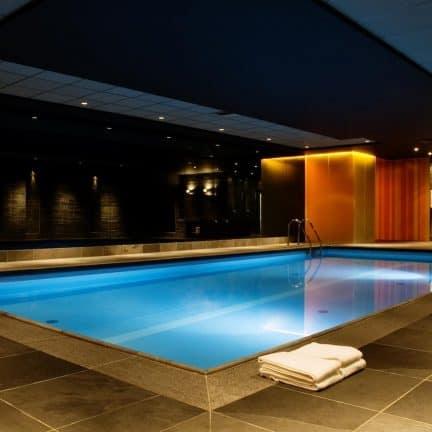 Zwembad van hotel Oud London in Zeist, Utrecht