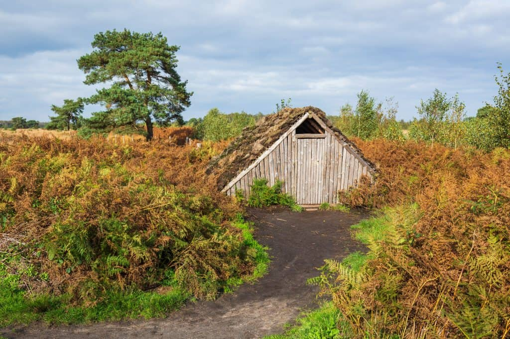 Huisje van turf in Nationaal Park De Groote Peel, Noord-Brabant