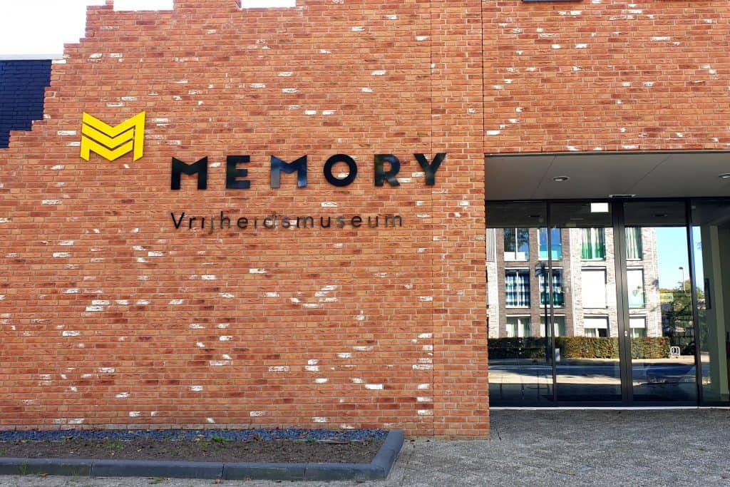 Ingang van het Memory Vrijheidsmuseum in Nijverdal, Overijssel