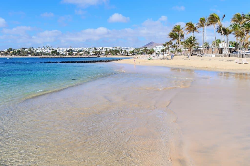 Strand van Las Cucharas in Costa Teguise, Lanzarote