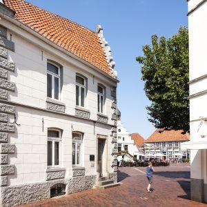 Witte huizen in Lingen, Duitsland
