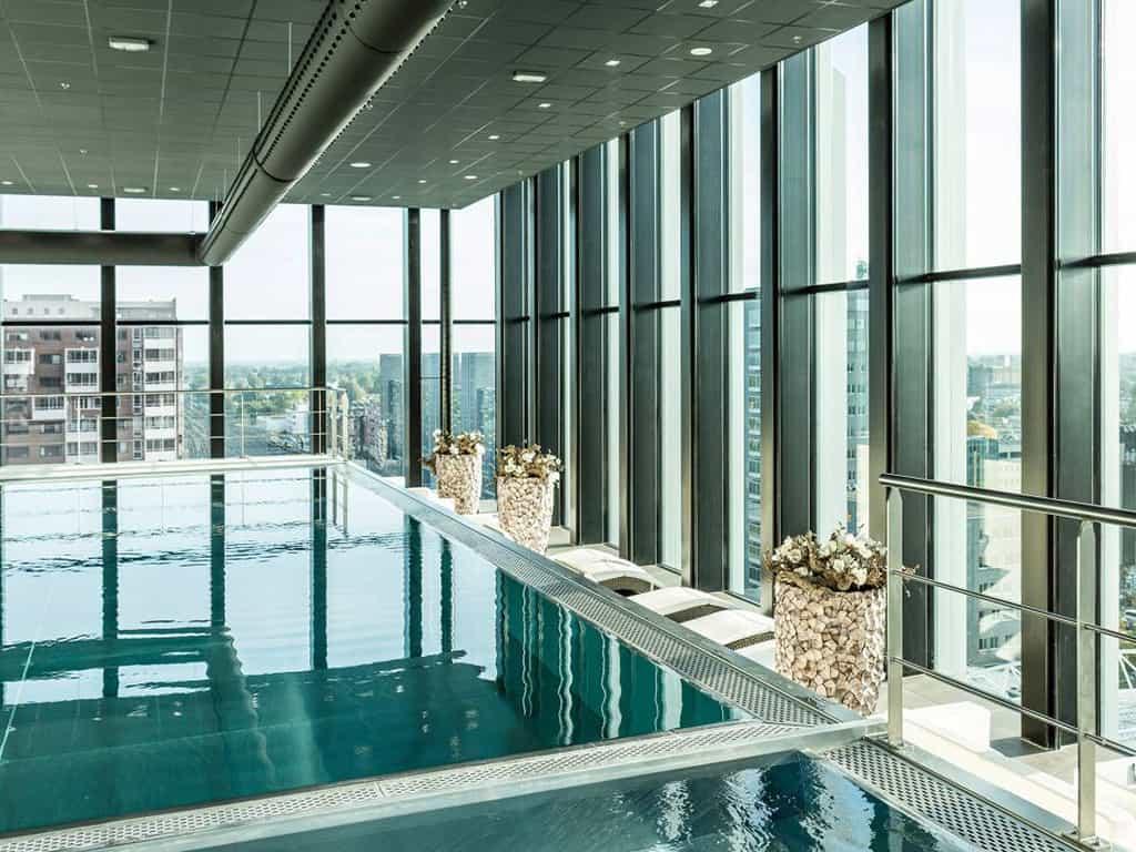 Zwembad van Fletcher Wellness-Hotel Leiden