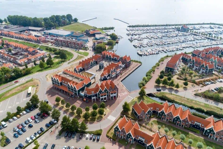 Ligging van Roompot Marinapark Volendam