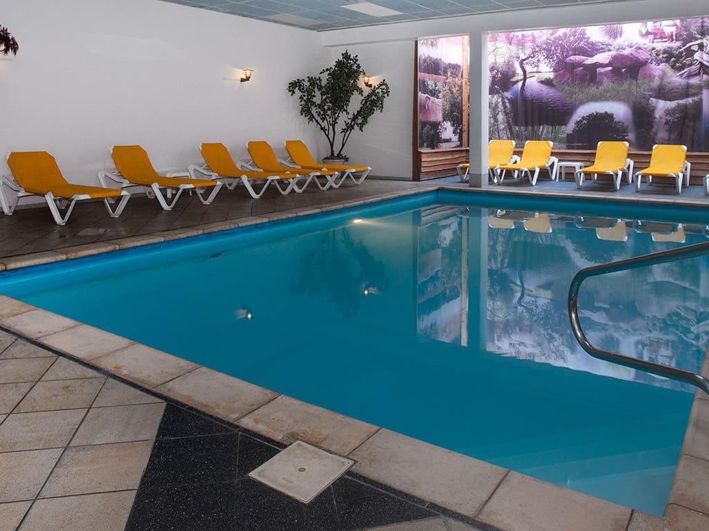 Zwembad van Fletcher Hotel-Restaurant De Zeegser Duinen