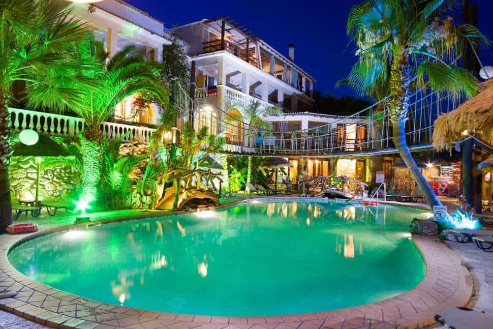 Zwembad van Gloria Maris Hotel